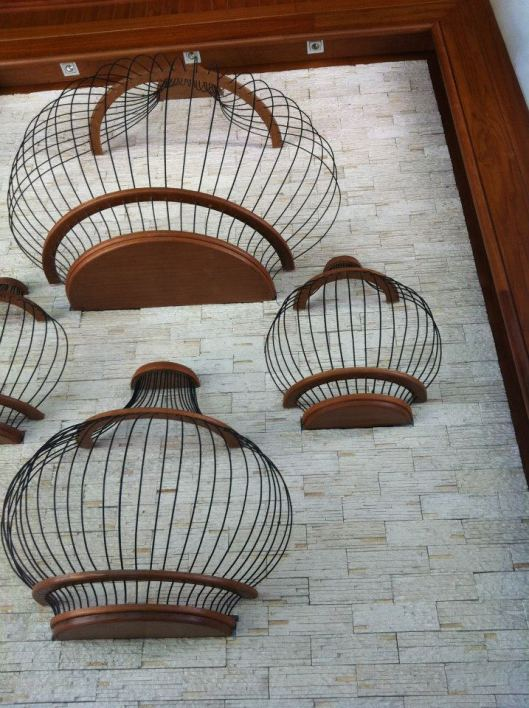 the front desk had these really nice birdcage deco on the wall.