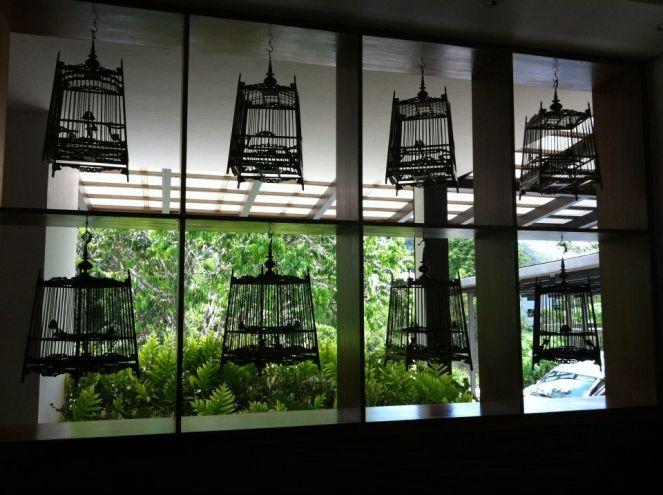 more birdcage deco.